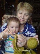 Пришла на помощь бабушке.