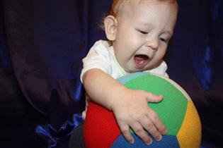 Я люлю играть в мяч!!!