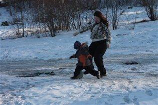 Морозный футбол у мамы в животке!!!