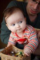 Мама, а мне уже можно конфетки?