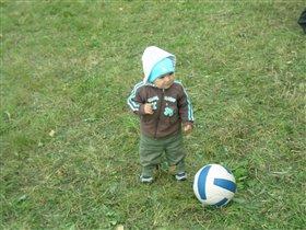 Юный футболист!