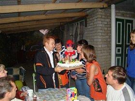Первый торт и одна свеча