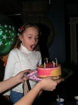Главное, торт с тарелки не сдуть:)))