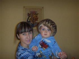 Мы с сыночком друзья, куда он, туда и я )))