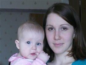 Дашулька с мамой