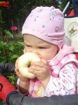 я люблю большиииииииииииииииииииииие яблоки!