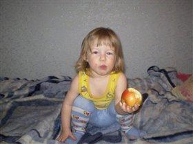 Наливное, золотое, яблочко мое - вот оно какое!