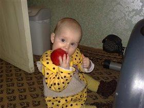 да! красные яблоки значительно лучше!!!