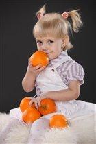 девочкас....апельсинами)