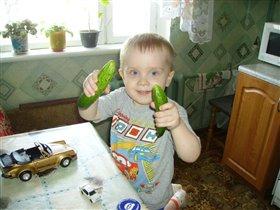 Огурчики-самые любимые Димины овощи!!!