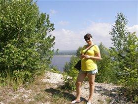 Природа,. Волга... И гламурные коротенькие шортики