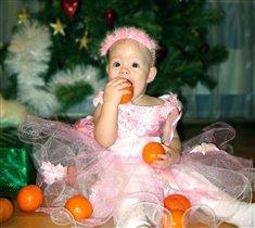 Апельсины я люблю, даже с кожурой жую!
