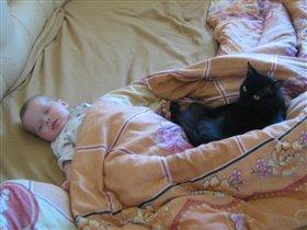 Спят усталые детишки