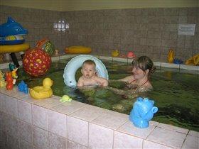 Плавать раньше, чем ходить!!!)))