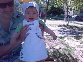 И улыбка у дочки тоже папина)))