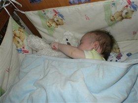 Сладко спит сынуля
