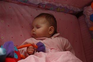 C игрушкой не расстаюсь даже во сне!