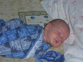 Спи моя радость усни!! В доме погасли огни!!