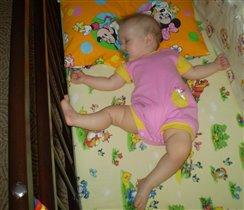 тесна кровать для акробата
