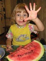 А я и пять арбузов могу съесть!