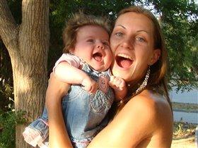 Когда мы с мамой поем, соловьи замолкают!