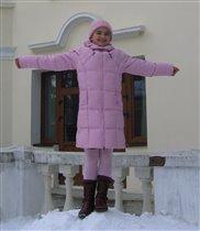 Хорошо быть девочкой в розовом пальто!