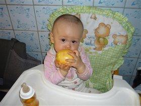 Ну очень вкусное яблочко!!!