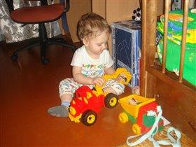 Я очень тракторы люблю: тр-тр