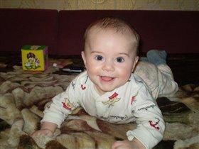 Всегда,когда я просыпаюсь,я сразу маме улыбаюсь!