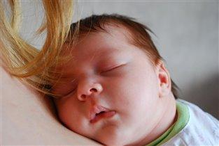 В маминых нежных руках счастье необъятно!