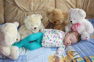 Спи,  Артемка!!!