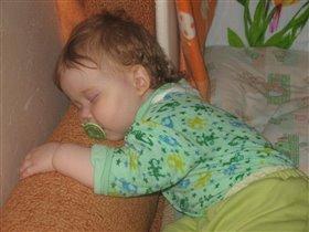 Сладкий дочки милой сон...