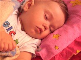 Спит моя радость