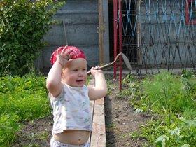 Ух и тяжела работа в огороде
