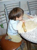 Юный пекарь