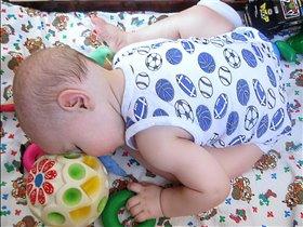 Играл,играл и уснул!