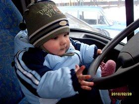 Вадимчик за рулем