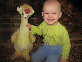 дочка и её любимая игруля!!!