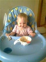Первые попытки кушать самостоЯтельно