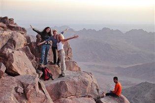 На вершине горы Моисея (Синайский полуостров)