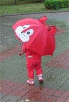 Зонтик с ножками.