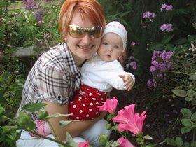 Мама с дочей в цветах!