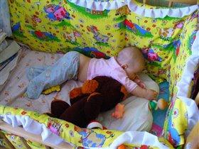 Спят усталые игрушки, вместе с ними и Настюшка =)