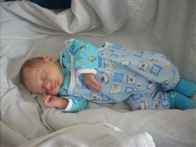Малышу снятся сладкие сны