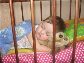 спит моя малышка .....