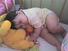 Спи, мишутка, усни...