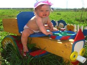 лето!ах лето!я на тракторе всех прокачу!!!!!