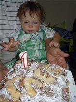 мне мой торт можно и руками есть