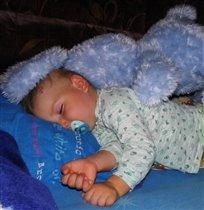 Наши зайки сладко спят, только носики сопят -))