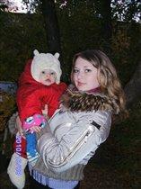 С мамочкой гуляли)))
